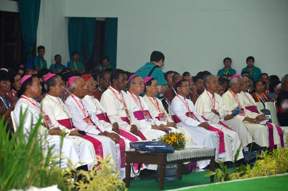 para uskup by yoh indra dokpen kwi