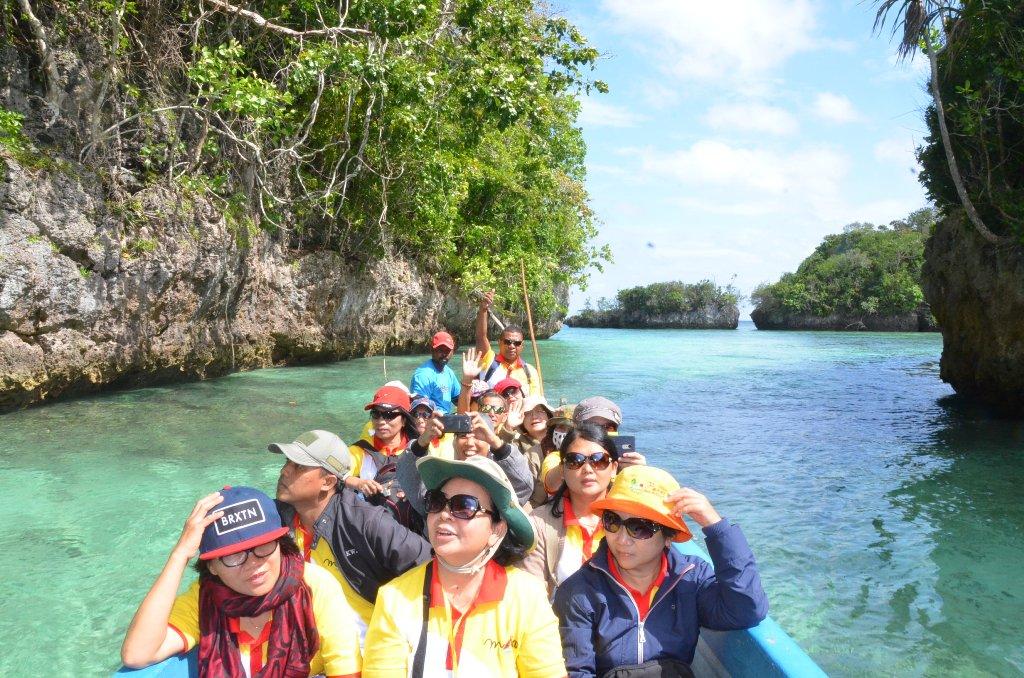 Dua Potensi Besar Kepulauan Kei Pariwisata Dan Perikanan 3 Departemen Dokumentasi Dan Penerangan Kwi